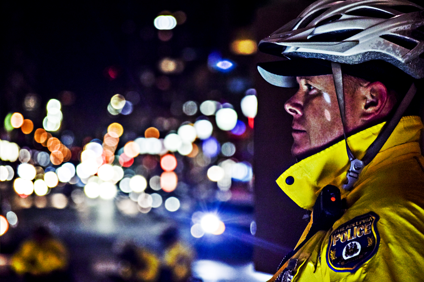 Victoria_Meng_Project3_Policeman_Philly_PD_Bokeh_Portrait_City_Hall_Night_Light_Police