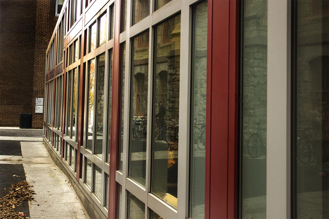 Yash Killa_StillLife_Philadelphia_Pattern_Repetition_Galss_Structure_colours_Beams_Reflection_glass