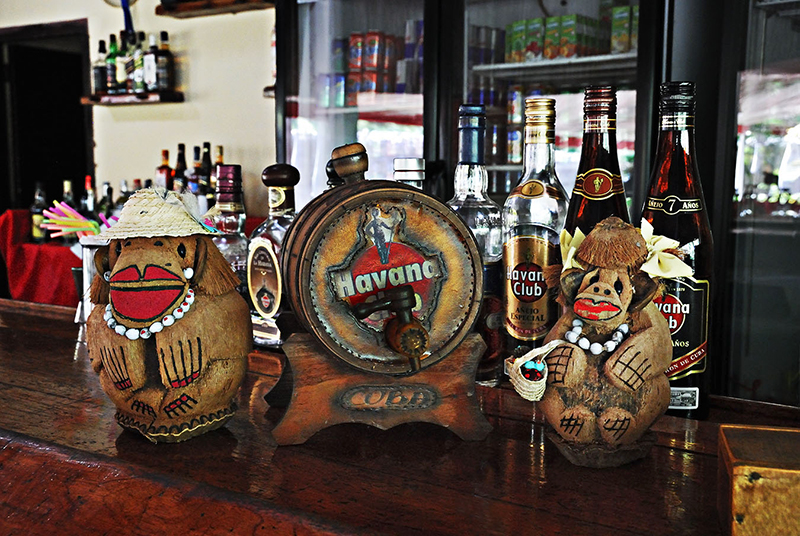 photo in cuban bar