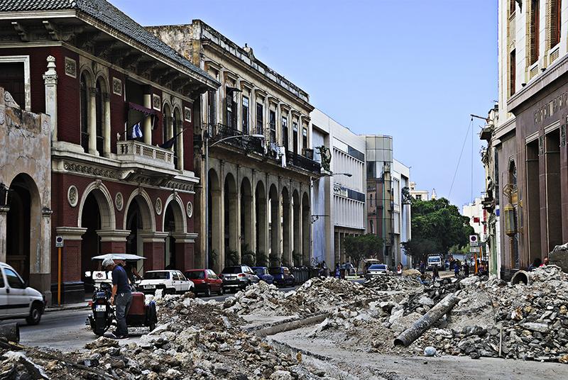rubble in cuban streets