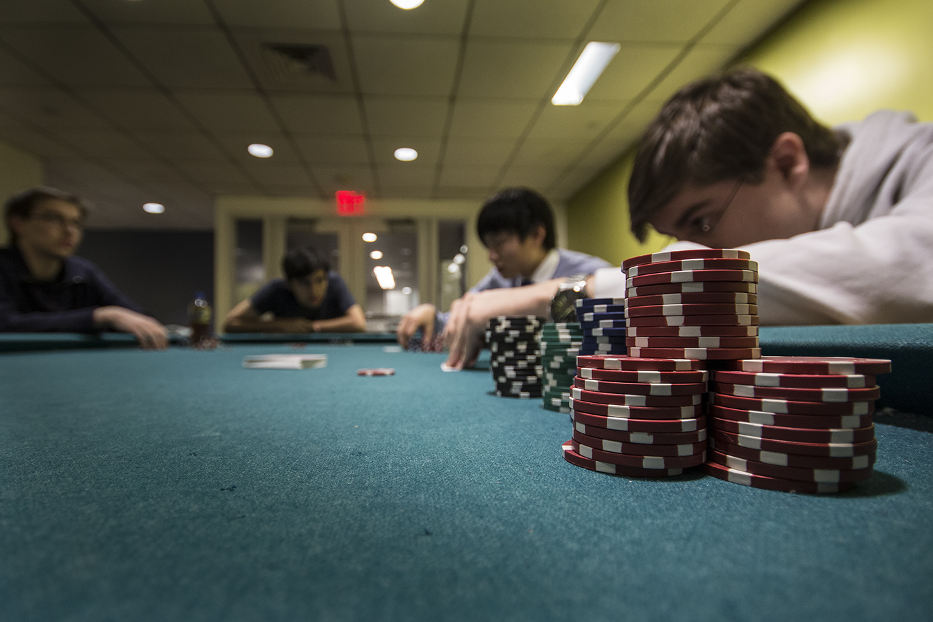 underground poker games at Upenn.Photography by Penn student Angelo Munafo, Copyright 2015.