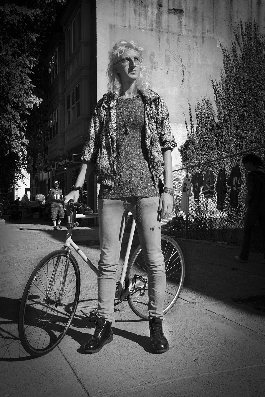 Jingwen_Felix_Qiang_Photography_Bicycle_Guy_West_Philly_Street_Baltimore
