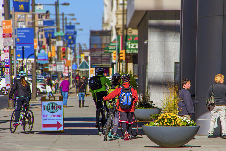 Bojing(Irene)_Fu_2015-Philly-Bike-Expo-PhillyConventionCenter-BroadSt-entrance-color