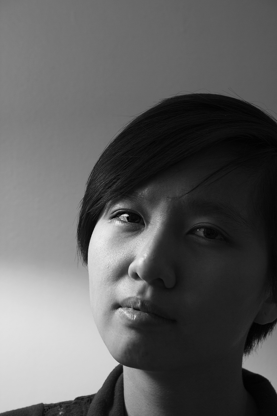 Portraiture_Gloria_Yuen_man_light_profile_Chinese_melancholy_pensive_Asian_aging_chinese_new_year_beauty_youth_short_hair_sexy_black_;white