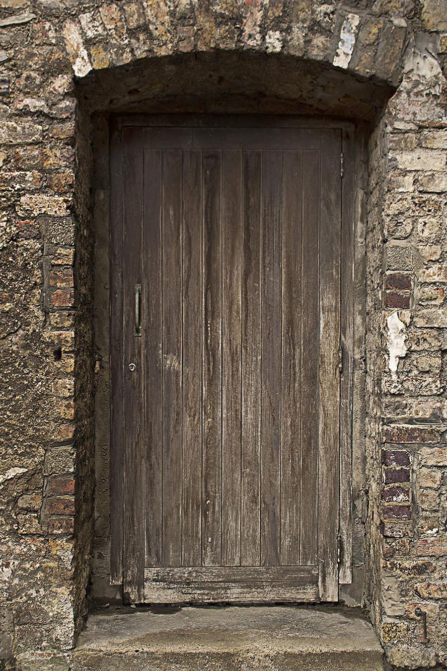 Carmen_Garcia_Gallego_Photography_Door_Brown_Dublin_Stone_old_doorway_philadelphia