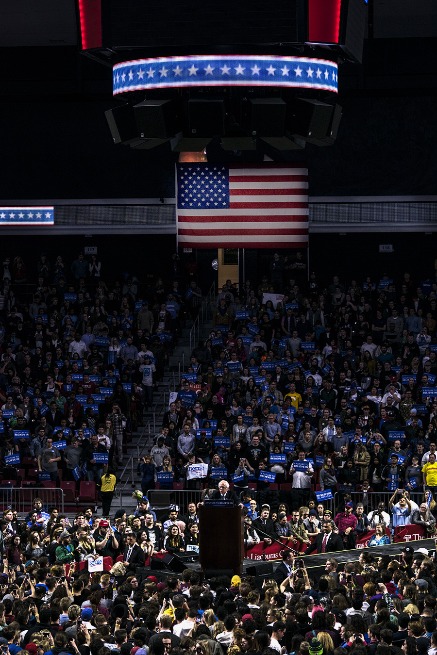 Leniqueca_Welcome_Bernie_Sanders_Rally_Speech_ Supporters_Elections2016_Presedential_Temple_Philadelphia_America_Patriotic