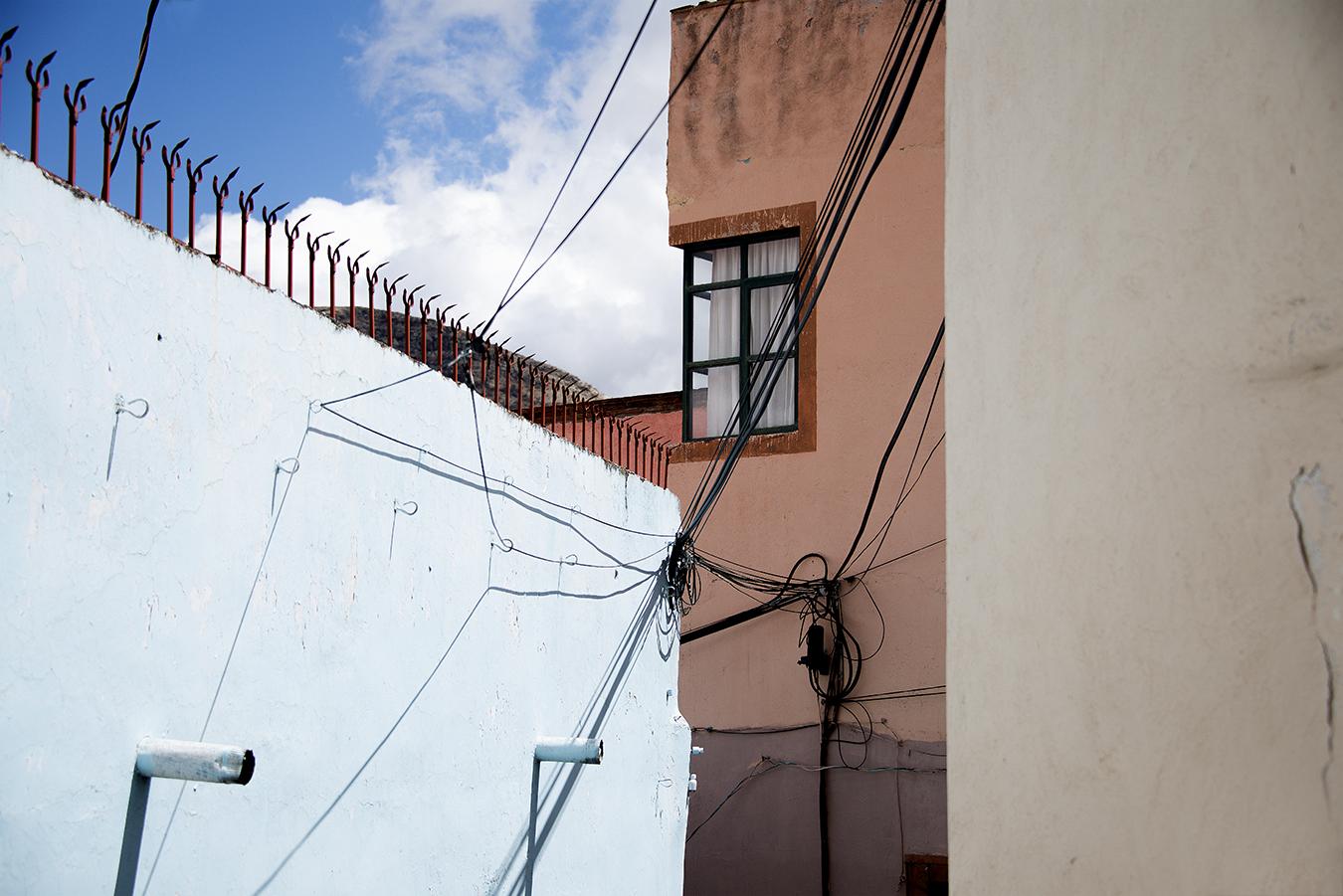 ZoeYunZou_Photography_ShadowsAndColors_Guanajuato_Mexico_2016