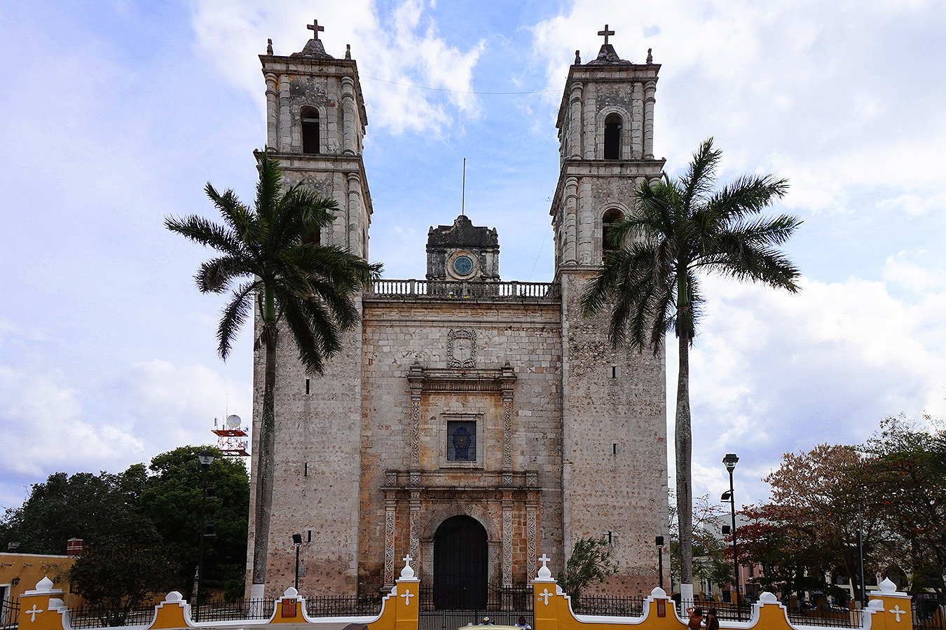 old_mexican_church_Kelly_Ha_p2