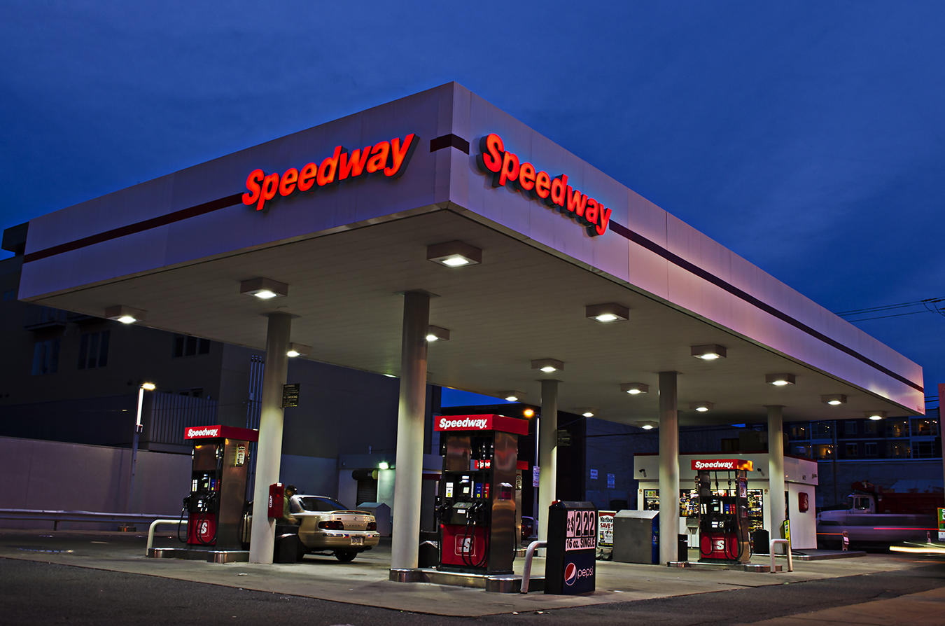 Colby_Hastings_Photography_Energy_Gas Station_Speedway_Night_service