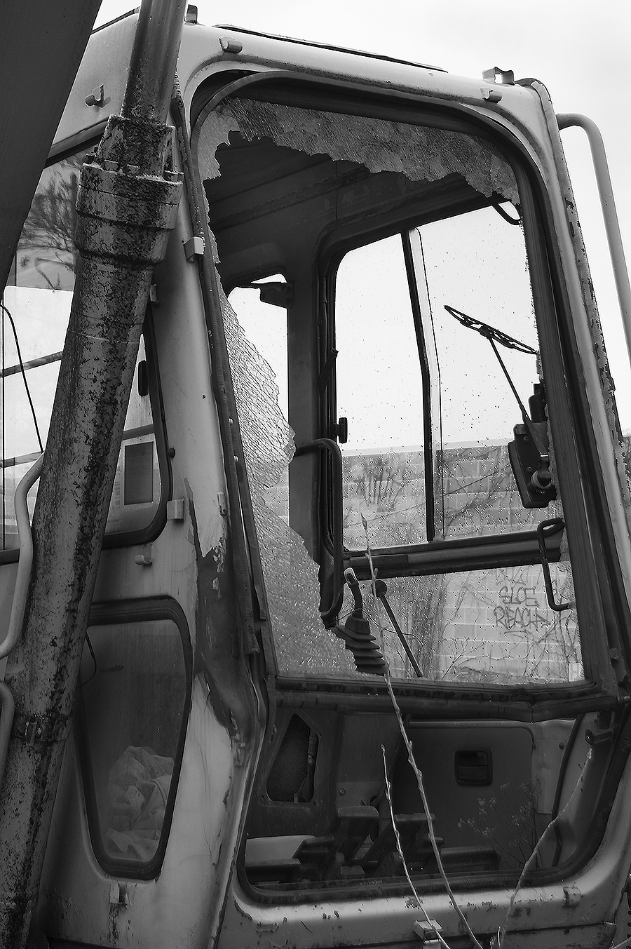 Jasmin_Smoots_Photography_2016_Junk_Yard_Excavator_ruined