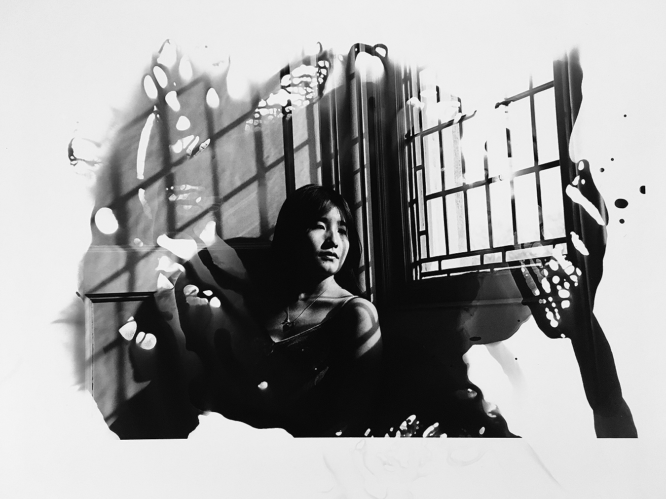 Linda_Ruan_depressed_girl_black_white_chirascuro_young_woman_asian_study_beauty_dreamscape_time
