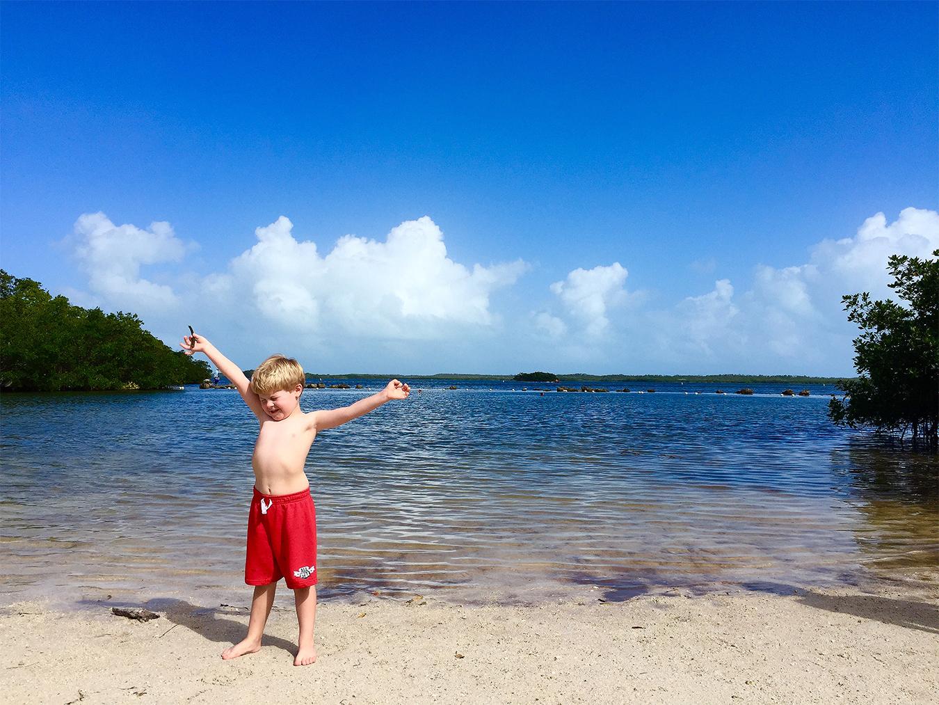 7_Mu_Qiao_travel_Photography_Miami_Key_West_Florida_boy_swimming